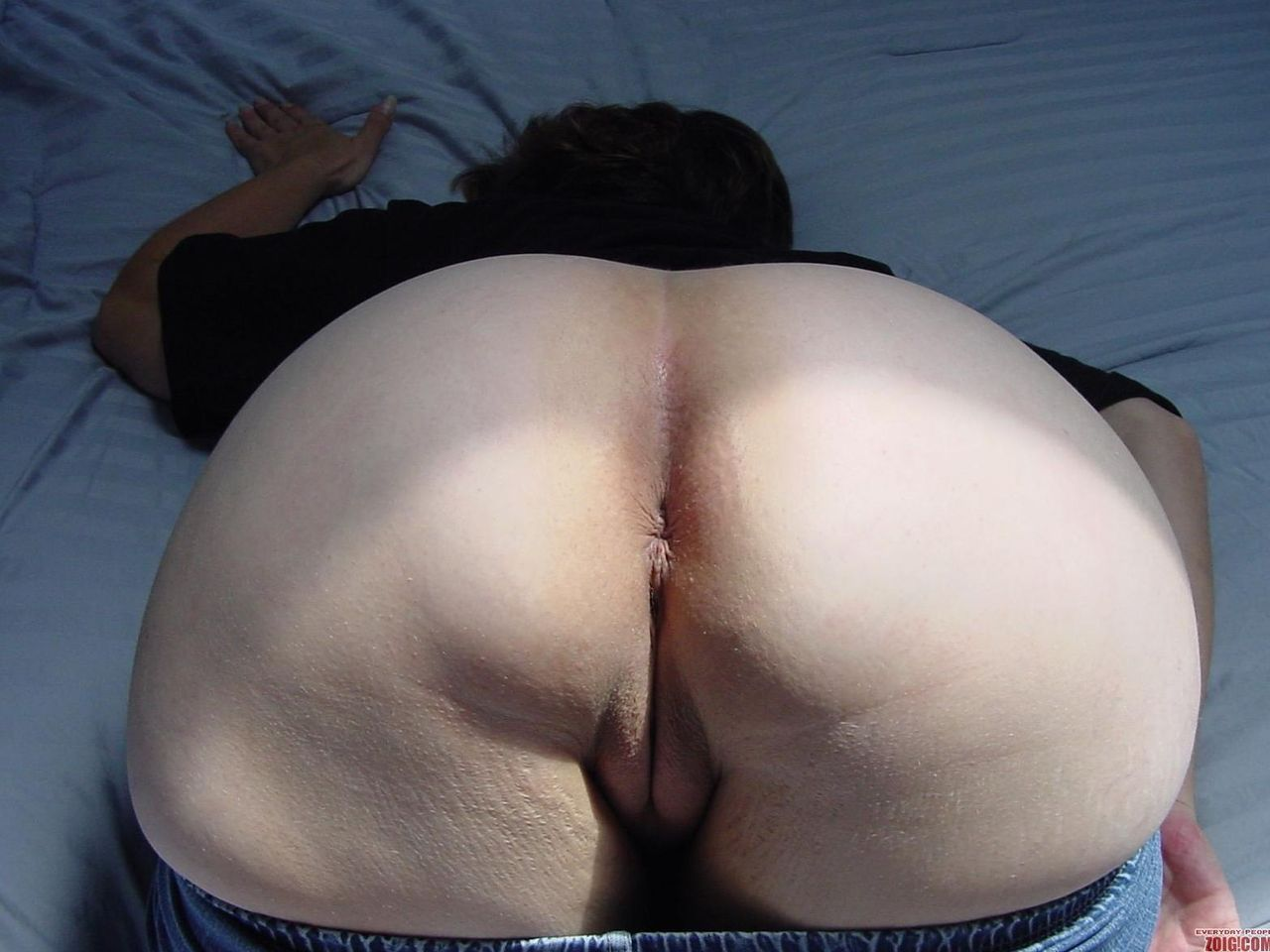 Chubby mature bent over anal
